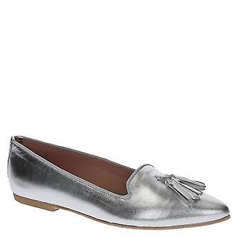 Pisos de ballet en cuero laminado plata con borlas