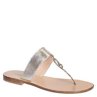 Plat de la main jeweled sandales en cuir platine