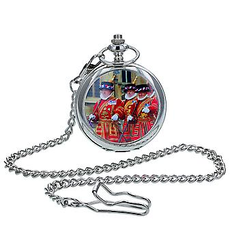 Boxx Gents White Dial, London Beefeaters Cover Design, Silvetone Metal Case Pocket Watch y Chain BOXX412