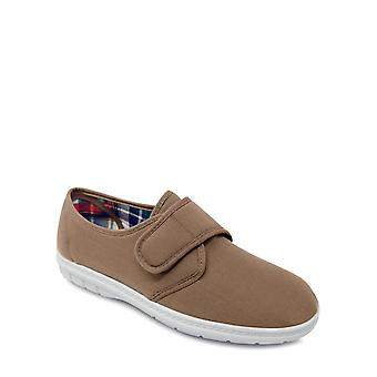 Chums Wide Fit Canvas Touch And Close Shoe