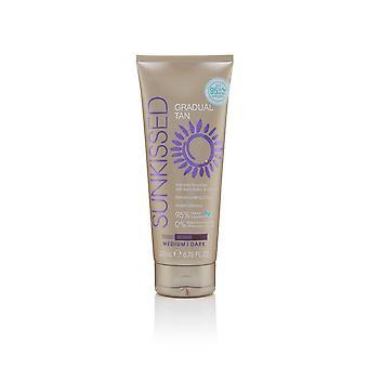 Sunkissed Gradual Tan 200ml with Shea Butter & Vitamin E - Medium/Dark (95% Natural Ingredients / 0% Parabens, Sulphates, Pthalates, Silcones)