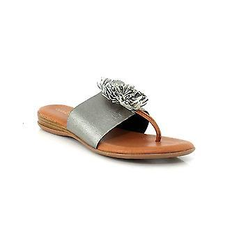 André Assous Womens Novalee Split Toe Casual Gladiator Sandals