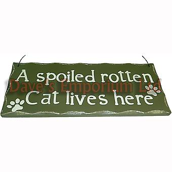 A Spoiled Rotten Cat Lives Here - Hanging Sign Funny Cat Wall Plaque