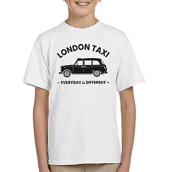 London Taxi Company Everyday är olika black text kid's T-shirt