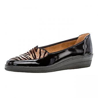 غابور بلانش منخفضة إسفين واسعة تناسب الأحذية في مزيج أسود