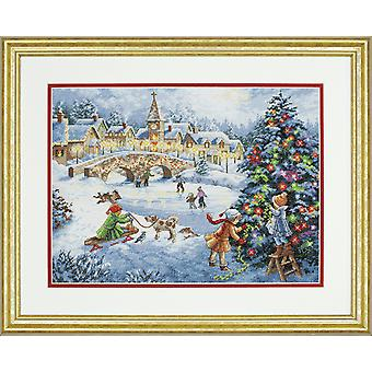 Dimensions Gold: Counted Cross Stitch: Winter Celebration
