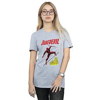 驚異女性の向こう見ずな屋上彼氏フィット t シャツ