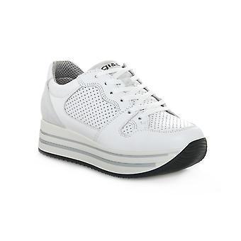 Igi & co kay white shoes