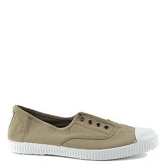 Victoria Shoes Dora Aloe Canvas Plimsolls