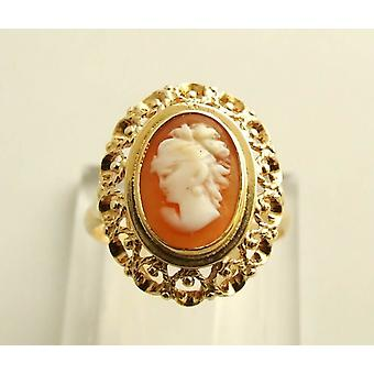 Yellow gold ring with cameo