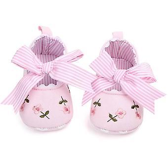أحذية الطفل الأبيض الدانتيل الأزهار المطرزة لينة Prewalker المشي الأحذية الأولى