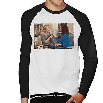 Morsiusneidot Annie ja Lillian paljastavat kihlajaiset Men's Baseball Pitkähihainen T-paita