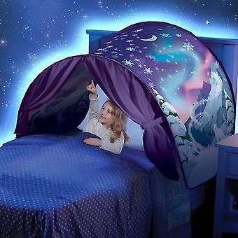 الأطفال يلعبون خيمة الحلم - بلاد العجائب الشتوية