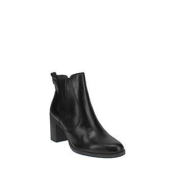 Giani Bernini | Korma Ankle Booties