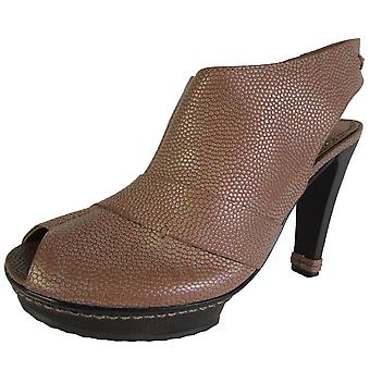 BCBG Max Azria Womens Echo Pebble Grain Peep Toe Platform Pump Shoe