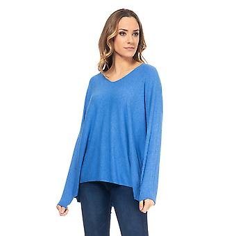 Wide knit sweater with a V-neck