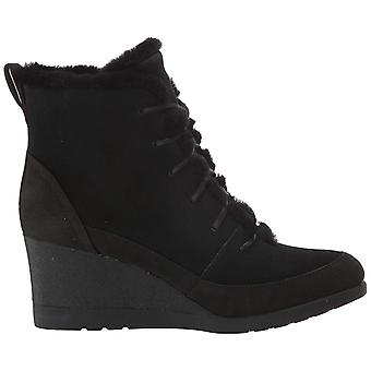 UGG Women's Bridgit Ankle Boot