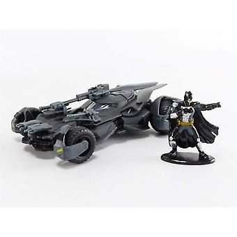 Justice League Movie Batmobile with Figure 1:32 Hollywd Ride