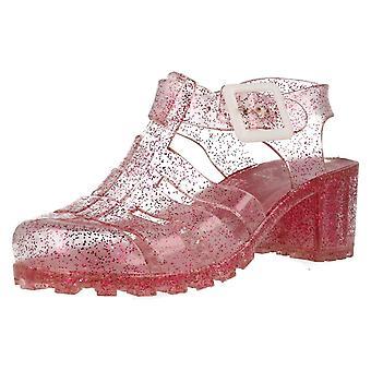 Lugar de chicas en los zapatos de tacón de jalea