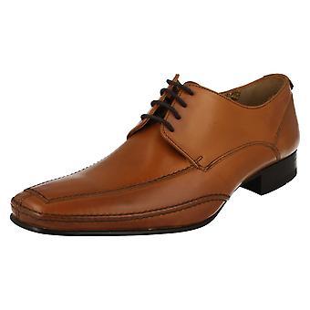 Laço de couro inteligente Mens Loake até sapatos Hurst
