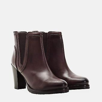 Harriet brown leather heeled gusset boot