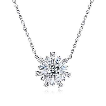 Fei Liu Fine Jewellery - elegant pendant in the shape of a snowflake