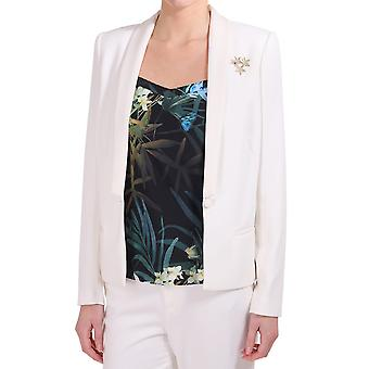 Maison Scotch Tuzedo Blazer met een decoratieve broche