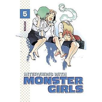 Entrevistas com meninas monstro 5 por Petos - livro 9781632364357