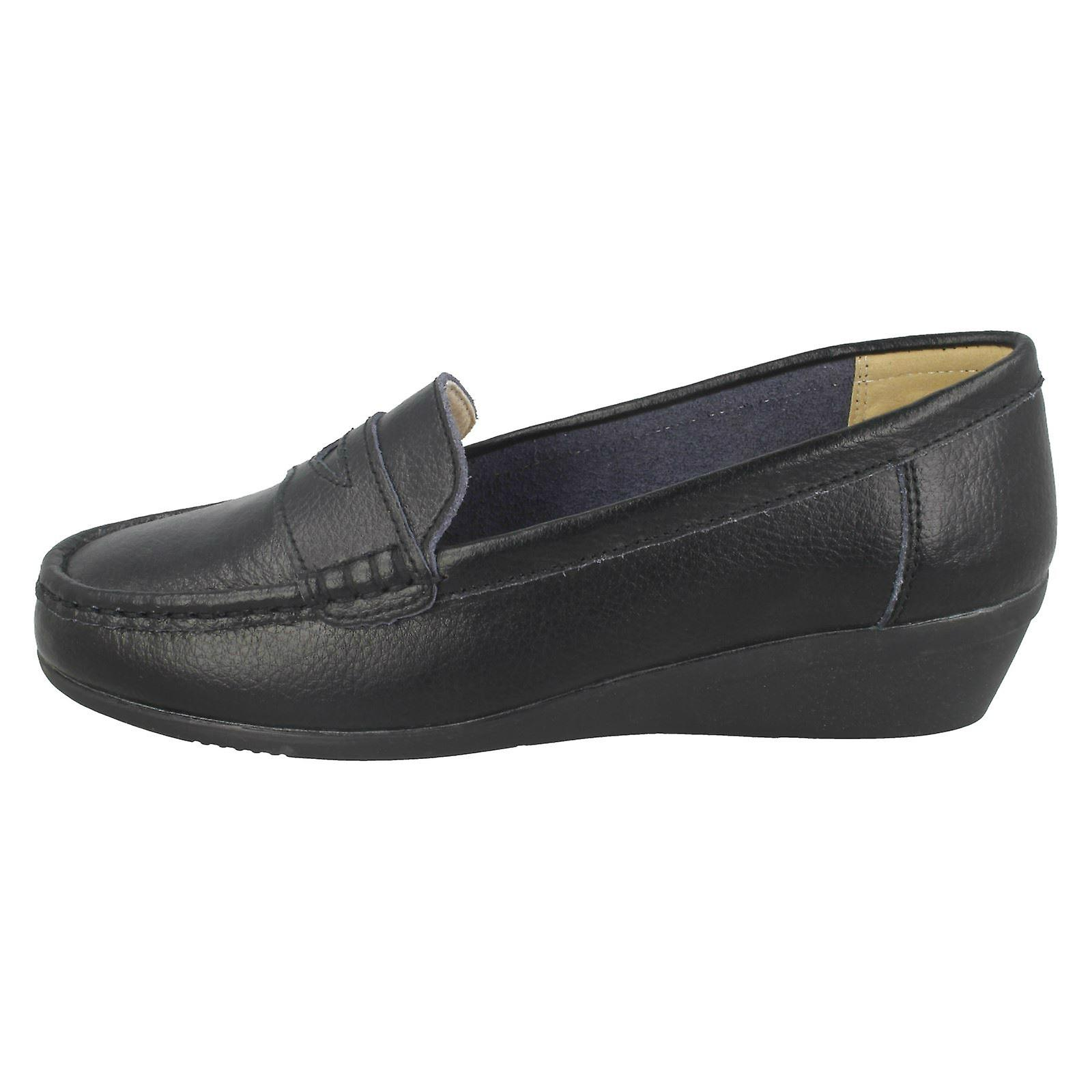 Ladies Down To Earth Leather Loafers F90064