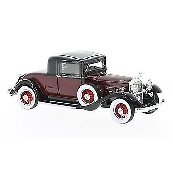 Packard 902 Standard Eight Coupe (1932) Resin Model Car