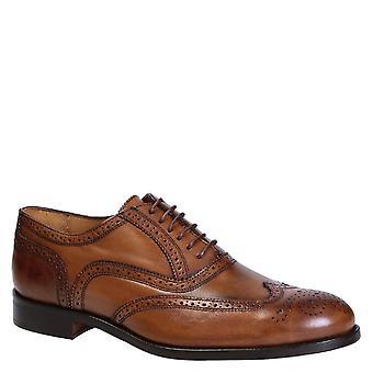 Handmade men's wingtip full brogues in tan leather