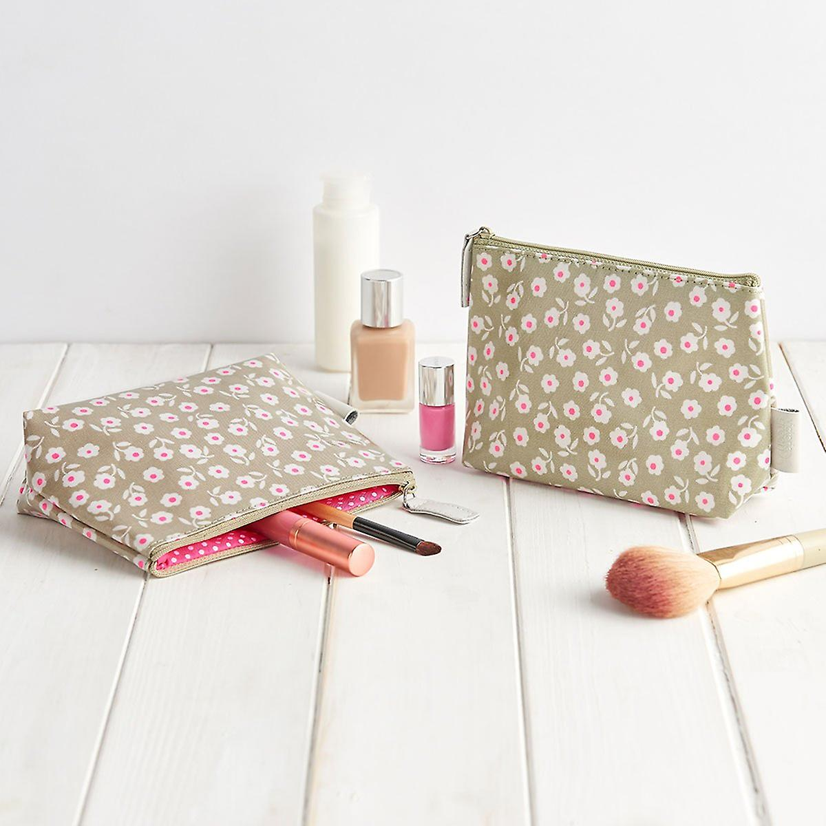 'daisy' makeup bag - sage