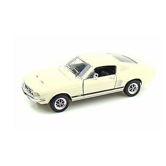 Ford Mustang Fastback (1967) Diecast Model Car