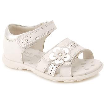 Startrite Phoebe piger første sandaler