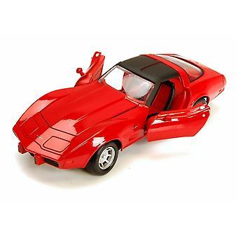 MotorMax  American Classics - 1979 Red Corvette  1:24