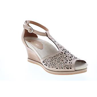 Earthies Adult Womens Casella Buck Wedges Heels