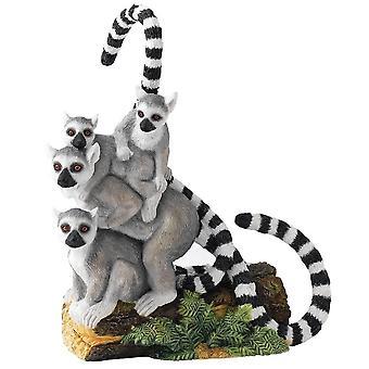 Country Artists Balancing Act Lemur Group Figurine