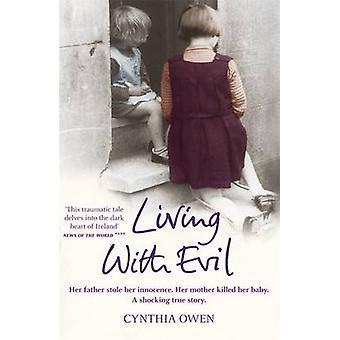 Bor med ondt af Cynthia Owen - 9780755319053 bog