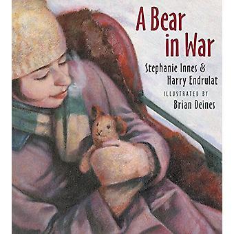 A Bear in War by Stephanie Innes - 9781772780864 Book