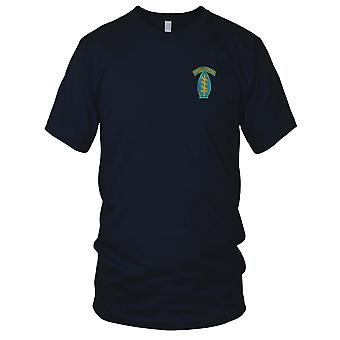 US Army Special Forces Airborne - Green Berets - Blue Vietnam War Embroidered Patch - Mens T Shirt