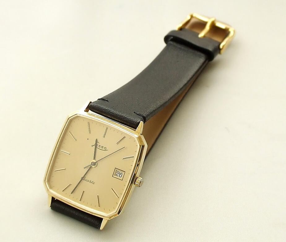 Gouden horloge met leren band