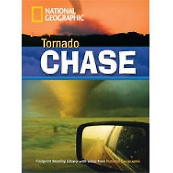 Tornado Chase Book with MultiROM-tekijä Rob Waring National Geographic