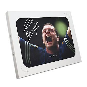 Paul Gascoigne signeerasi Rangersin kuvan. Lahjalaatikossa