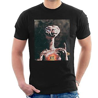 E.T. The Extra-Terrestrial Distressed Photo Men's T-Shirt