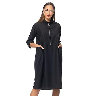 Loose fit dress with pockets and zipper closure