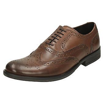 Miesten Base Lontoo reikäkoristeinen kävelykenkä kengät Walnut MTO
