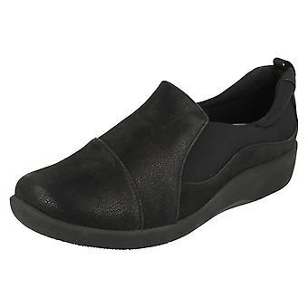 Las señoras Clarks Cloudsteppers Casual Slip en Paz Sillian zapatos