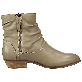 SoftWalk Womens Rochelle Leather Round Toe Ankle Fashion Boots