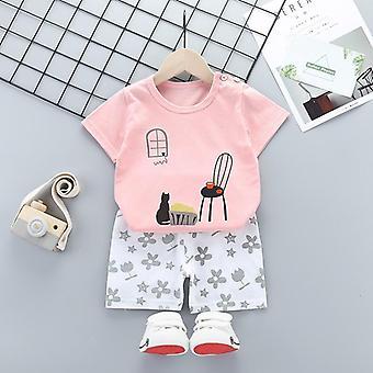 Tシャツとパンツを含む衣類セット(セット2)