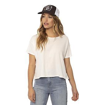 Sisstrevolution surf and love trucker hat